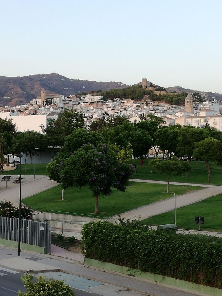 Piso en alquiler. Disponible a partir 1 de octubre, larga temporada (Vélez-Málaga, Málaga)