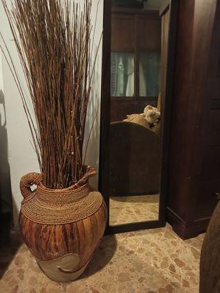 Bodegón jarrón rustico con ramas de segunda mano por 35