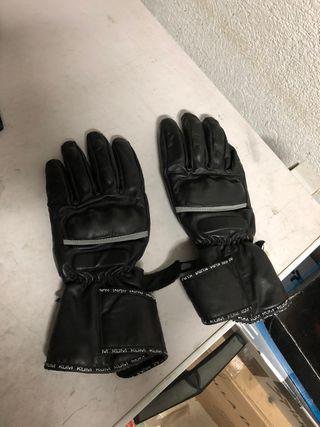 Se venden guantes de invierno y de verano