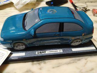 Reproducción en cerámica del SEAT Córdoba SX