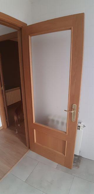 Puertas con batidero y molduras