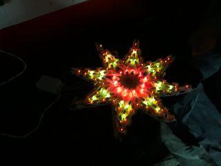 estrella de Navidad iluminada