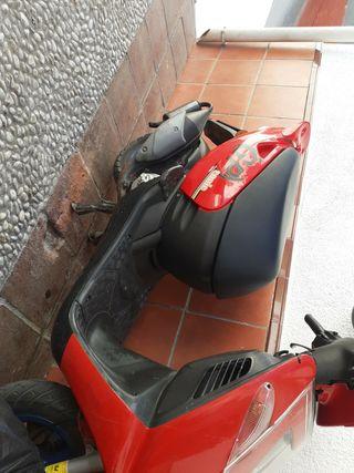 moto está nueva mui vien cuidada