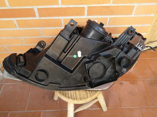 Faro derecho Seat Ibiza 6J diurna