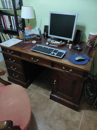 Mesa despacho y sillón giratorio