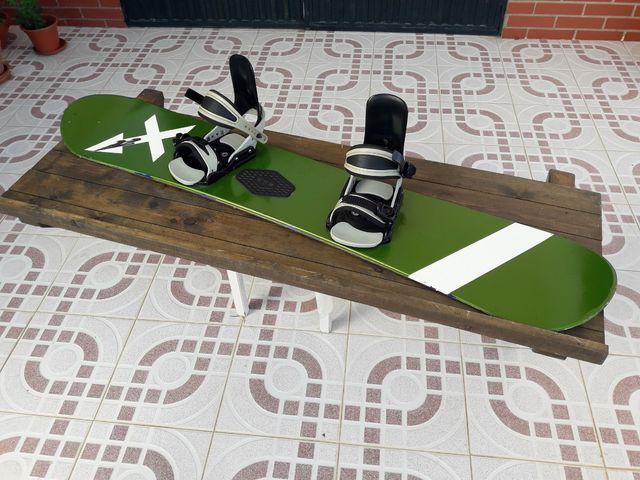 Tabla snowboard + fijaciones.