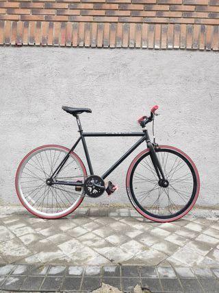 Bicicleta Fixie Polo and Bike*