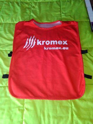 Peto reversible para entrenamiento fútbol. KROMEX
