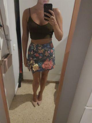 Estrenar falda pantalón flores