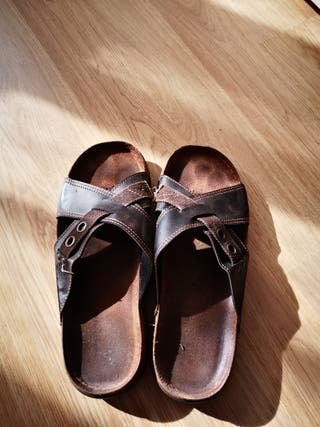 chanclas vestir marron