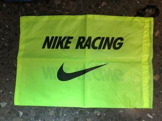 Nike Porta zapatillas, botas, chanclas. Nuevo