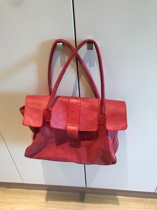 Precioso bolso rojo / teja piel de Hakei