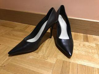 Zapatos negros de tacon
