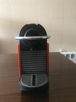 CAFETERA NESPRESSO KRUPS PIXIE