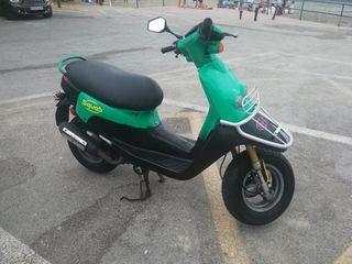 Peugeot Scooter 49cc, tambien cambio por otra moto