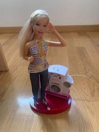 nueva muñeca interactiva Barbie
