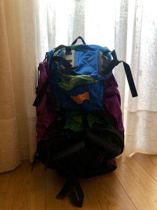 Mochila trekking + accesorios