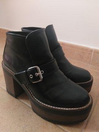 Botas negras de plataforma de pull and bear