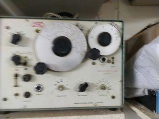 Generador de frecuencia antiguo