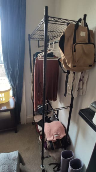 clothe rack