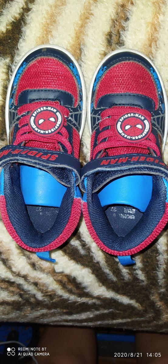 zapatillas Spider-Man un solo usó estas nuevas núm