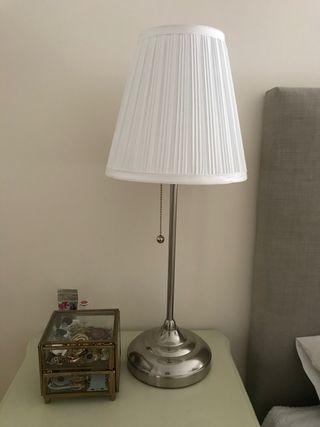 2 Lampes de table nickelé blanc