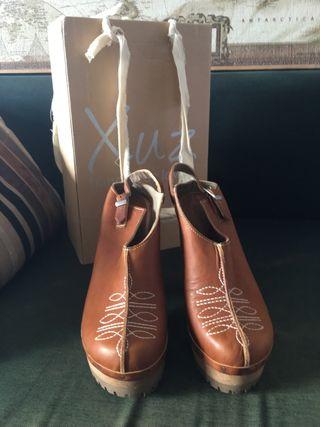 Zapatos tacón XUZ, hechos a mano en Ibiza