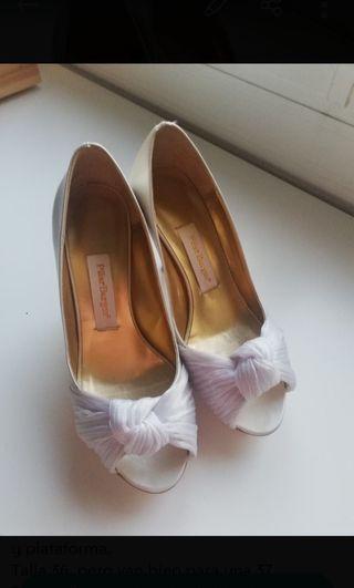 Zapatos novia Pilar Burgos