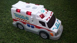ambulancia con sonido de alarma