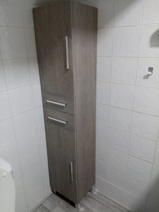 Mueble columna baño a estrenar