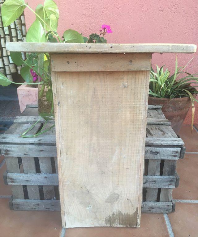Antiguo lavadero de madera maciza