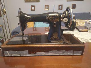 Máquina de coser Singer modelo Y800275