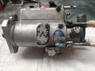 Bomba inyectora CVA motor perkins antiguo