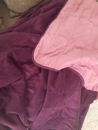 Manta violeta y rosa