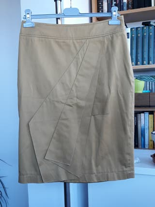 Falda de Adolfo Domínguez talla 40.