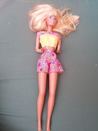 Barbie pantalón flores