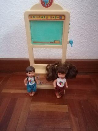 Muñecos Barbie colegio
