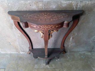 Mueble de pared antiguo