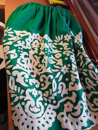 falda regional bordado drapeado