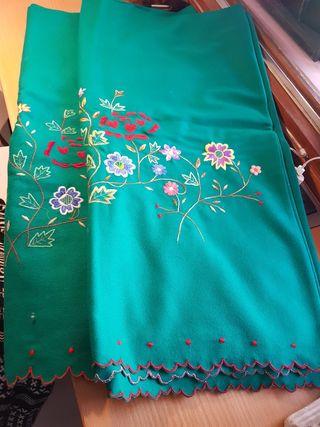 tela bordada para falda regional