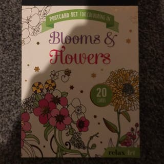 Blooms & Flowers Colouring Book