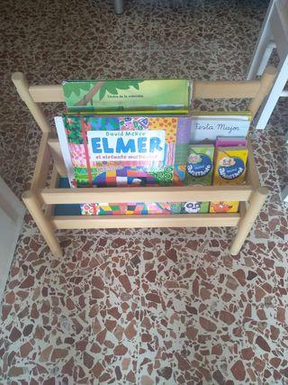 Librería expositor libros niño