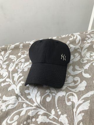 Gorra negra de los Yankees