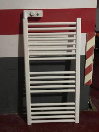 Radiador secador toallas baño