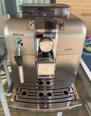Cafetera Automática Saeco Syntia