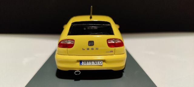 Seat Leon Cupra R (Neo Scale Models) 1:43