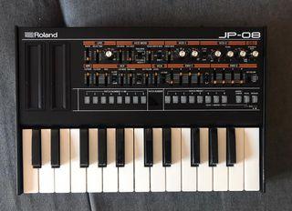 Módulo de sonido Roland JP-08 Sin estrenar + KM25