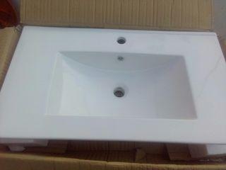lavabo nuevo en su caja