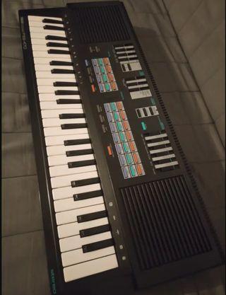 Teclado Sintetizador YAMAHA PSS-470 - Italo Disco