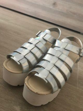 Sandalias plateadas de plataforma
